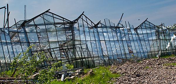 Raserade växthus vid Lilla Hult ovanför Skepparkroken