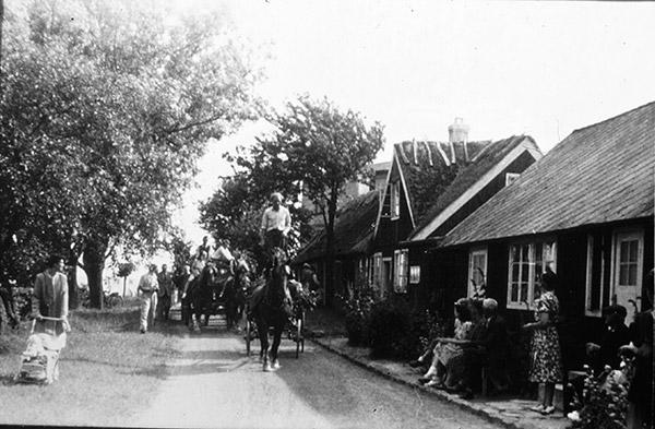 Midsommar i Skepparkroken - troligen 1948 (foto från Evy Hulth)