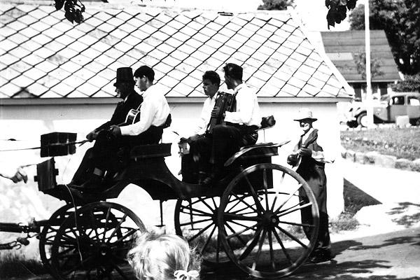 Midsommar i Skepparkroken 1956 - bild 3