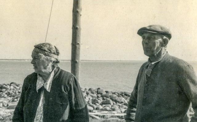 Joel och Mina Svensson i Skepparkroken 1951(foto från Petréns album)
