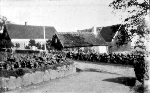Skepparegården sedd från Thörns gård i Skepparkroken c:a 1910
