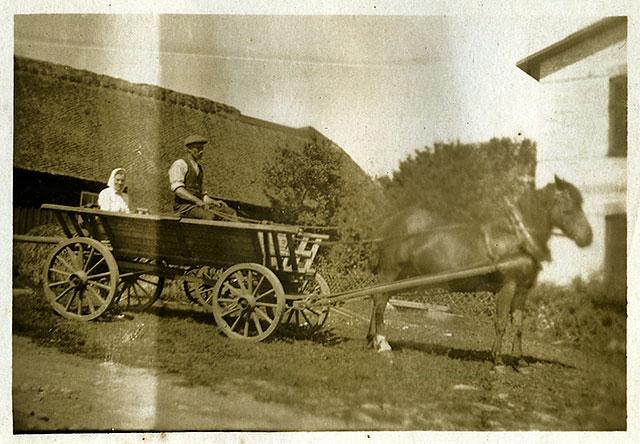 Sture Hellberg i Skepparkroken på 1920-talet (bilden tillhör Erik Hellberg)