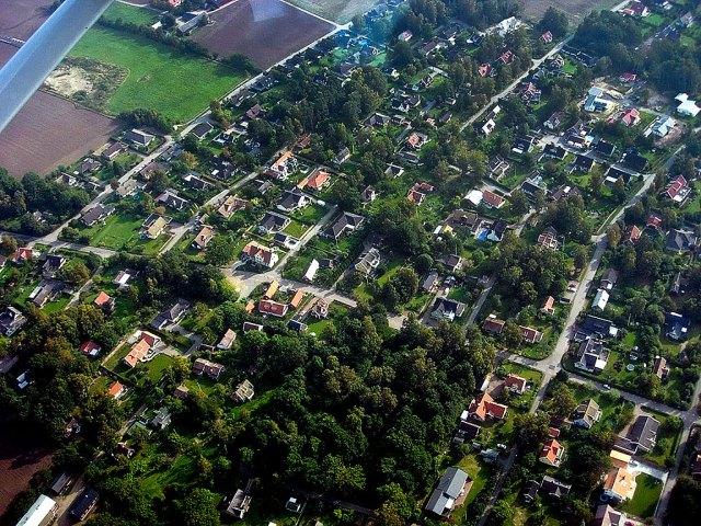 Björkhagen från luften i september 2005 (foto Kjell Bergenudd)