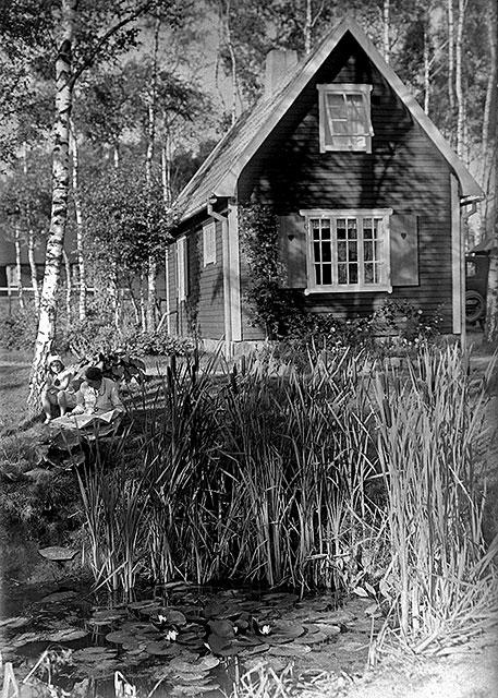 Familjen Rombergs hus i Björkhagen i slutet på 1920-talet (foto Robert Romberg)