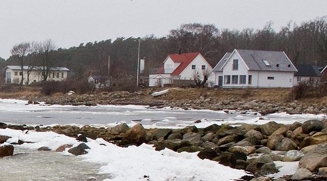 Hus vid Strandridarevägen i Björkhagen i februari 2011