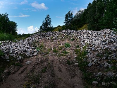 Bild 2- Kommunalt förråd vid Skepparkroksvägen 2011-08-14