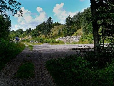 Bild 1- Kommunalt förråd vid Skepparkroksvägen 2011-08-14