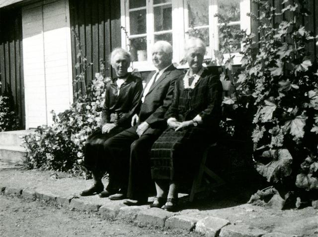 Syskonen Bergren i Skepparkroken år 1938 (foto från Ulla von Kunhardt  f. Thott)