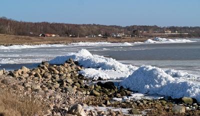 Isberg vid bryggan i Skepparkroken 2012-02-23