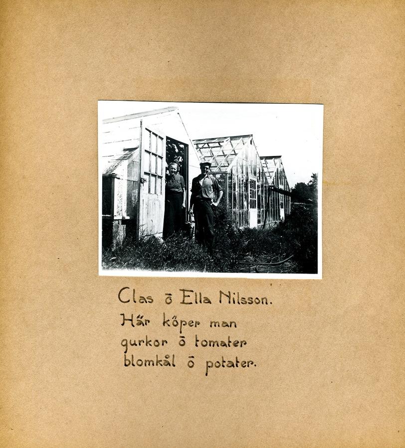 Maja Fajers album om Skepparkroken 1950-51 – sidan 36 Claes och Ella Nilsson