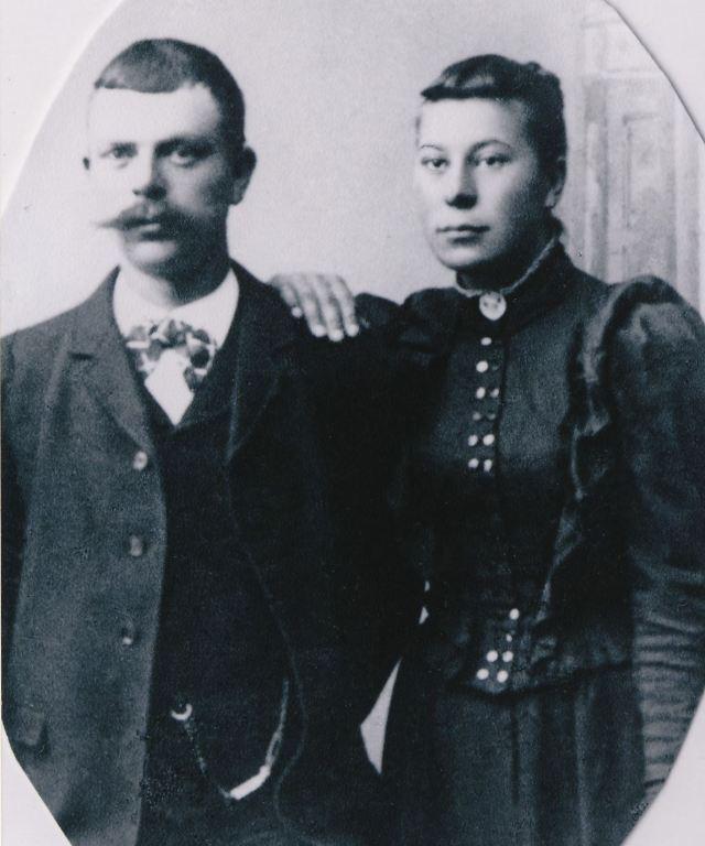 Elof och Betty Kant troligen vid bröllopet 1897. (Bilden tillhör Ingemar Kanth)